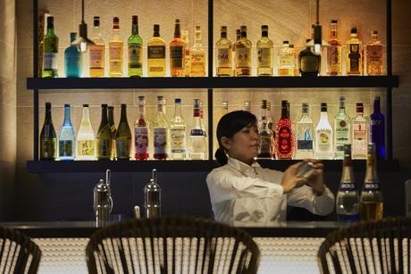 【時給UP!】沖縄・北谷のリゾートホテルホテル!バースタッフ募集!